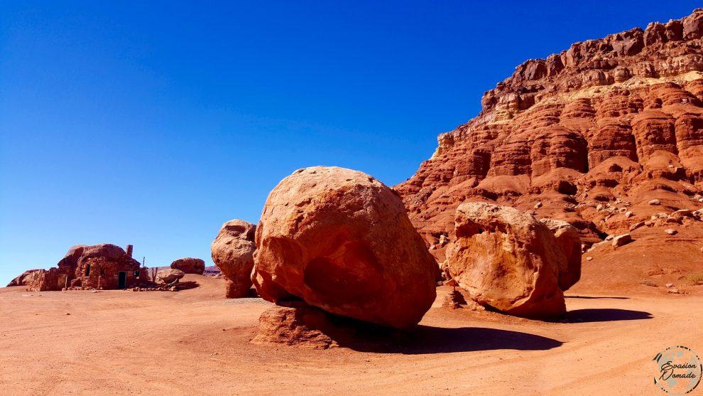 Maison dans la roche sur la route du Grand Canyon